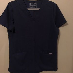 Figs Casma Scrub Top in Navy.
